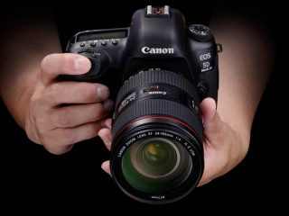 Canon 5D Mark IV for RENT