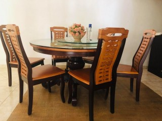 Dining Table for sale with 06 Chairs
