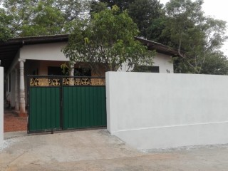 3 Bed Room House for Rent or sale.