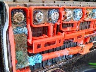 Hybrid Battery Service & Engine Tuneup